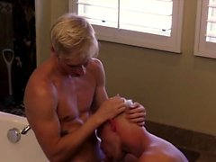 Gay twinks Muscle Top Mitch Vaughn Slams Parker