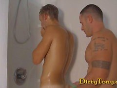 Muscle stud fucks bi-guy
